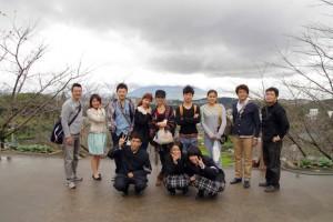 桜島を背景に