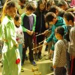 八幡小学校 中国雑技 ワークショップ